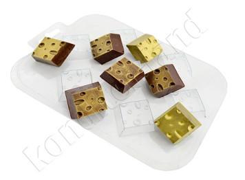 """Форма для шоколада пластиковая """"Сырные кубики"""""""